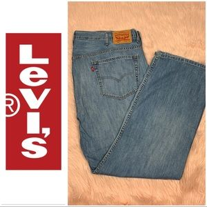 Levi's • Loose Straight Fit Jeans Sz 42x32